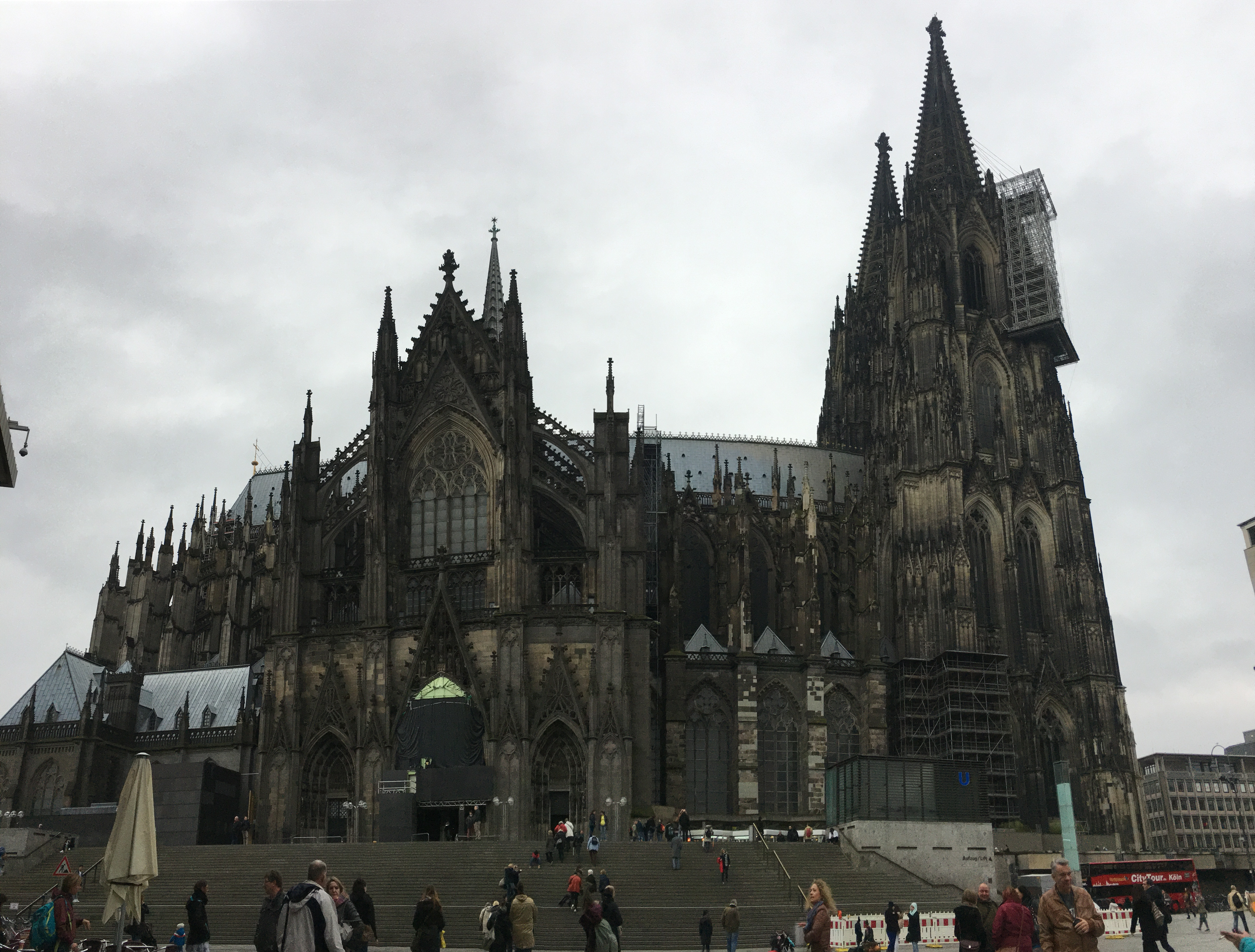 cologne-germany-cathedral-that-girl-myra